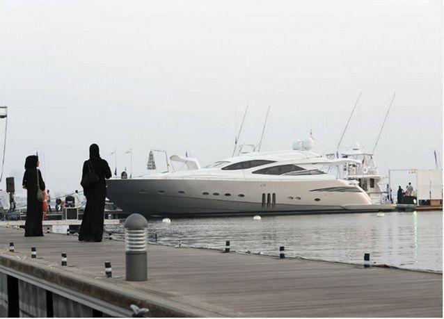 """بيع يخت بمبلغ 153 مليون درهم في """"معرض دبي العالمي للقوارب"""""""