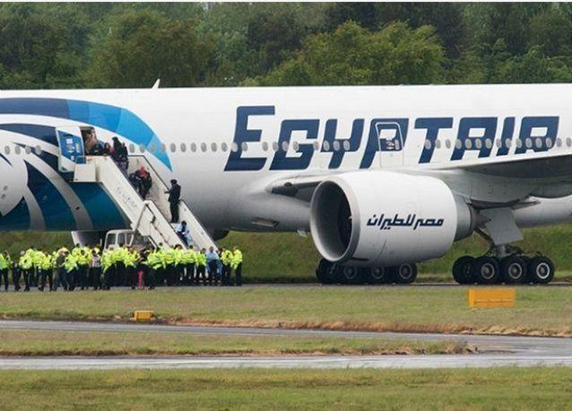 """أكثر من مليار جنيه خسائر """"مصر للطيران"""" في ستة أشهر"""