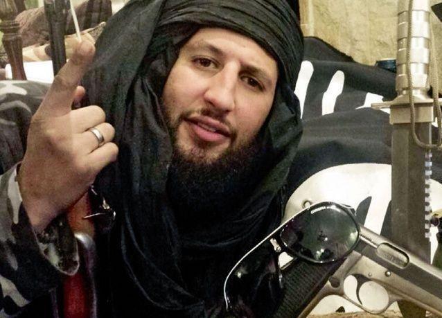 فيديو على فيسبوك يتسبب بسجن ومقاضاة معارض سوري ضرب جندياً سورياً تمهيدا لترحيله من السويد