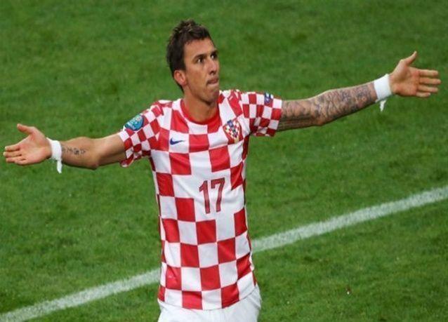 ماندجوكيتش رجل مباراة كرواتيا والكاميرون