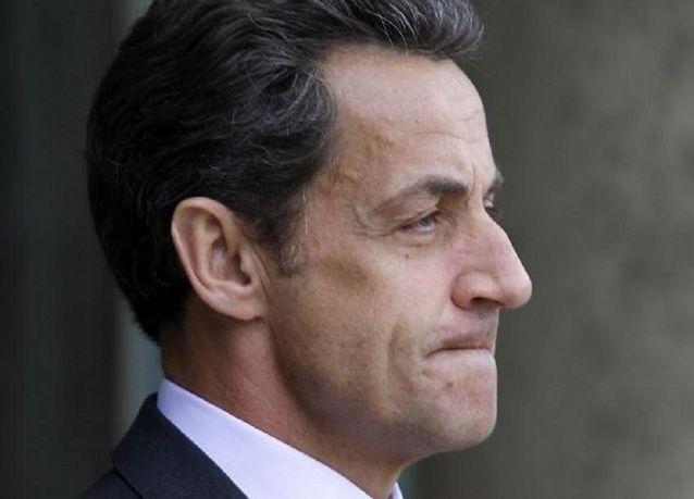 قضاة يستجوبون الرئيس الفرنسي السابق ساركوزي بشأن فضيحة مالية