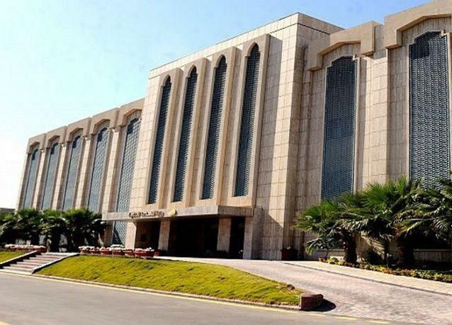 وزارة الخدمة المدنية السعودية: تعيين الموظفين المبتعثين دون مفاضلة