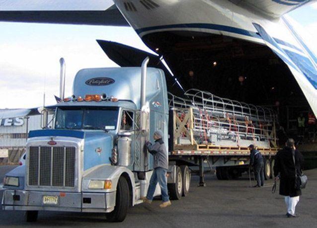 أحجام الشحن في مطاري دبي تقفز 18% في 2014
