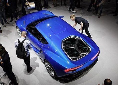 بالصور: معرض باريس للسيارات، الكشف عن لمبورجيني بالكهرباء!