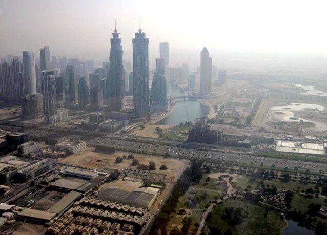 بالفيديو: صحيفة البيان تلتقط فيديو جوي لقناة دبي المائية على طريق الشيخ زايد