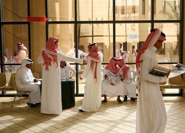 جنسيات أجنبية تتفوق على سعوديين في العربية .. والسعوديات في المقدمة