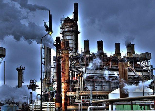 مؤسسة البترول الكويتية تتوقع 65 دولارا للنفط لسبعة أشهر