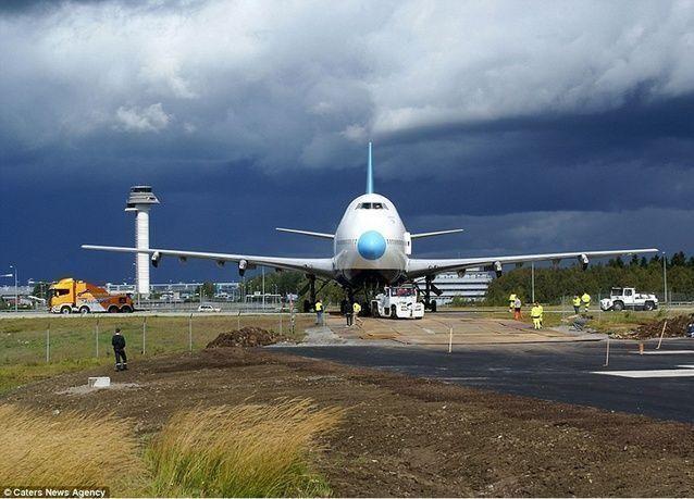 هاكر يعترف باختراق أنظمة ملاحة في طائرة والسيطرة عليها لزيادة ارتفاع تحليقها