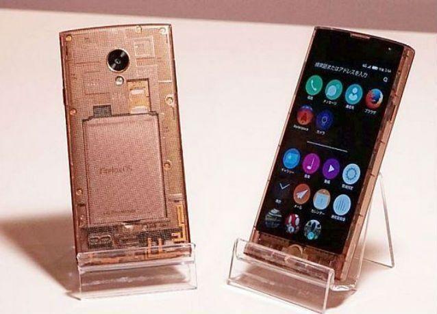 إطلاق أول هاتف ذكي شفاف في العالم