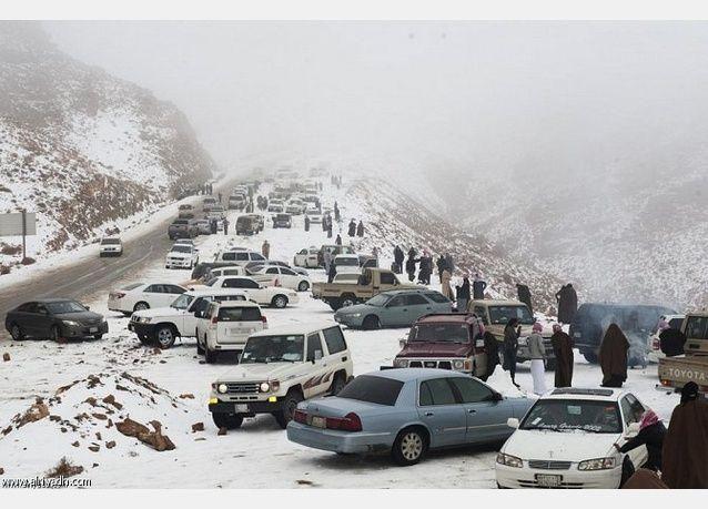مناطق سعودية تضرب موعداً مع الثلوج ..وتجمد في الشمالية