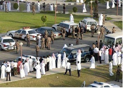 تنفيذ عقوبة الجلد بحق السعودي رائف بدوي