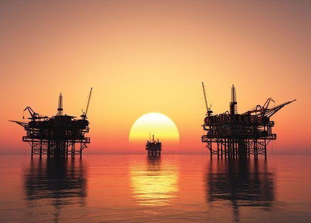 النفط ينخفض مع هبوط الصادرات السعودية وتراجع أنشطة الحفر في أمريكا