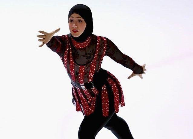بالصور: أول متزلجة إماراتية على أبواب الأولمبياد