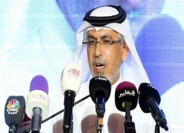 """صورة """"جنسية"""" تتسبب بأزمة لـ رئيس تحرير صحيفة الشرق القطرية"""