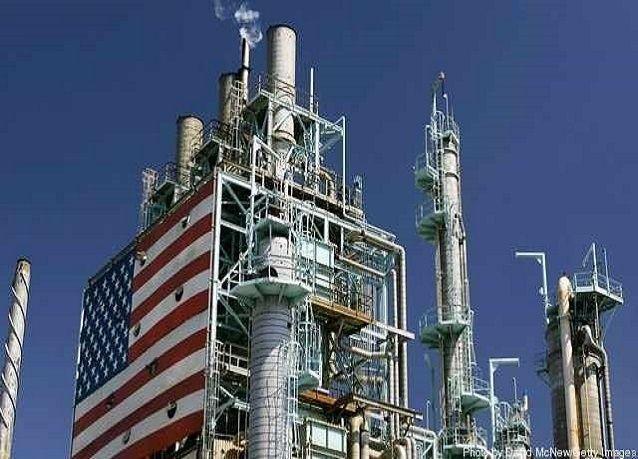 النفط يواصل هبوطه بعد انباء زيادة منصات الحفر الأمريكية