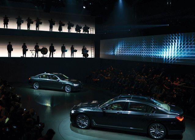 """جديد السيارات: """"بي إم دبليو - الفئة السابعة"""" إلى مضمار المنافسة"""