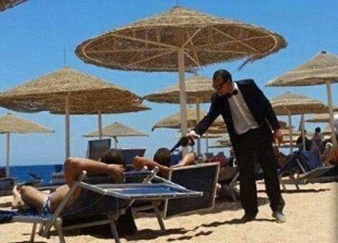 موظف منتجع بشرم الشيخ يثير ذعر السياح بمسدس لعبة بغرض المزاح