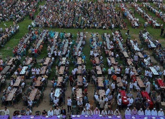 إفطار جماعي لـ20 ألف فلسطيني بدعم قطري في غزة