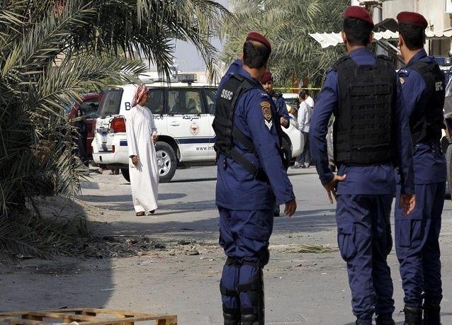 البحرين: قتيلان من الشرطة بتفجير في سترة وتلميحات بتورط إيران