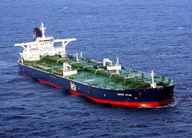 صادرات النفط السعودية تهبط إلى 7.553 مليون برميل