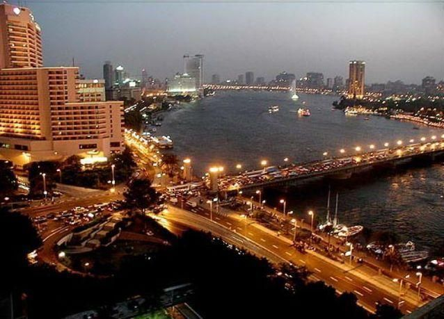 مصر تسعى لخفض مستحقات شركات النفط الأجنبية لأقل من 2.5 مليار دولار بنهاية 2015