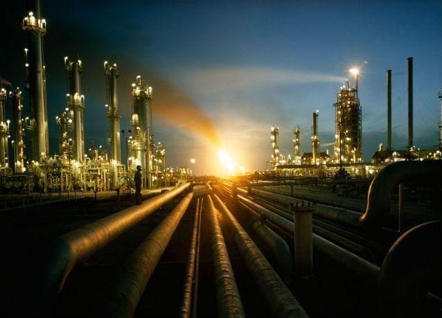 هبوط صادرات نفط السعودية إلى 6.998 مليون برميل يومياً في أغسطس