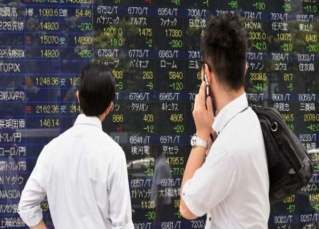 هبوط مؤشر الأسهم اليابانية إلى أدنى مستوى في أسبوعين مع صعود الين
