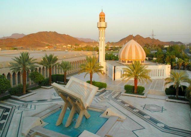 """السعودية تدرس حجب تطبيقات """"محرفة"""" للقرآن الكريم من جميع المتاجر العالمية"""