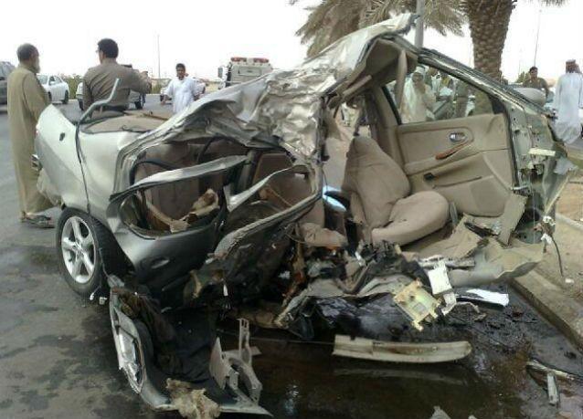سجن شابين سرقا عائلة إماراتية تعرضت لحادث وعلق أفرادها في حطام سيارة