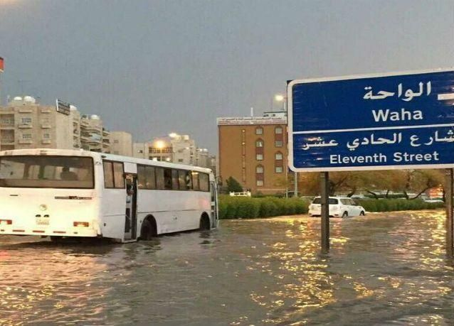 الكويت تغرق بمياه الأمطار