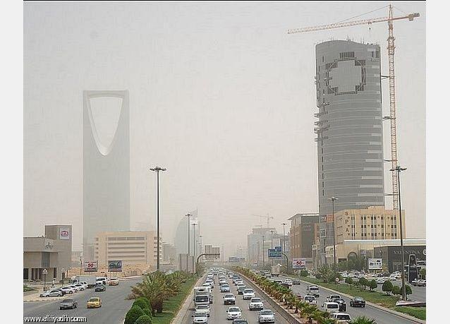 توقعات برياح مثيرة للأتربة والغبار على معظم مناطق السعودية