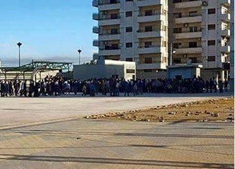 سوريا: مدنيون يغادرون حي الوعر في حمص بموجب اتفاق سلام محدود