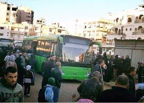 سوريا: المئات يغادرون حيا تحت سيطرة المعارضة في حمص بموجب هدنة