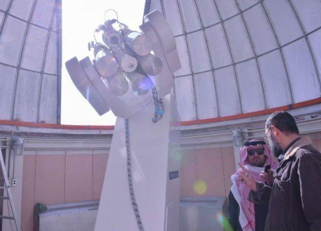 بالصور : نيزك ضخم في الرياض