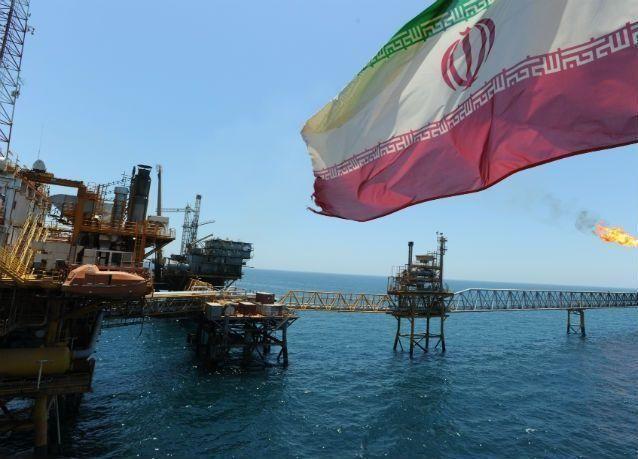 صادرات النفط ومكثفات الغاز الإيرانية بلغت مليوني برميل يومياً