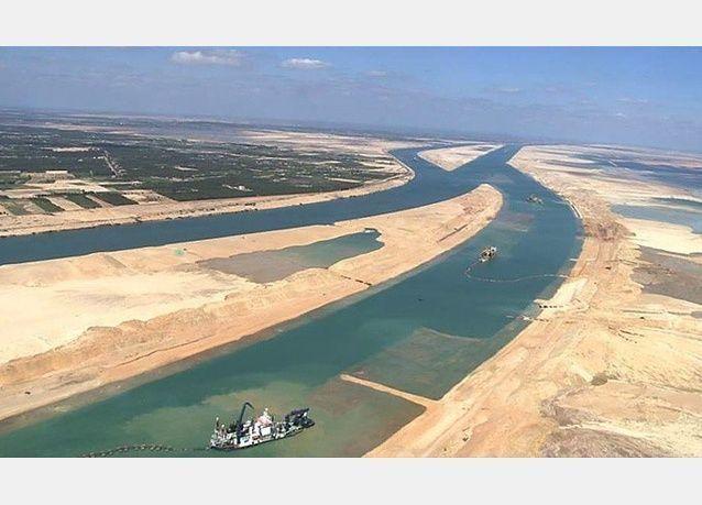 هبوط إيرادات قناة السويس المصرية إلى 375.8 مليون دولار في فبراير