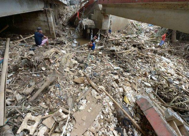 زلزال بقوة 8.1 درجة يهز منطقة غربي إندونيسيا وتحذيرات من تسونامي