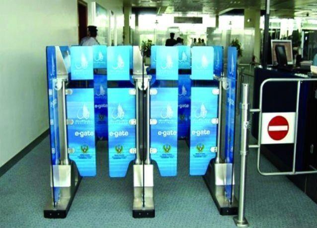 """الإمارات : """"السفر الذكي"""" لجميع المواطنين والمقيمين 7 ثوان لعبور البوابات"""