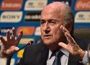 رئيس الاتحاد الهولندي لكرة القدم:حان  الوقت لرحيل بلاتر
