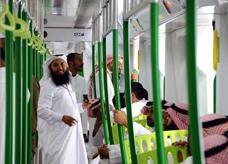 السعودية: قطار المشاعر ينقل نصف مليون حاج هذا العام