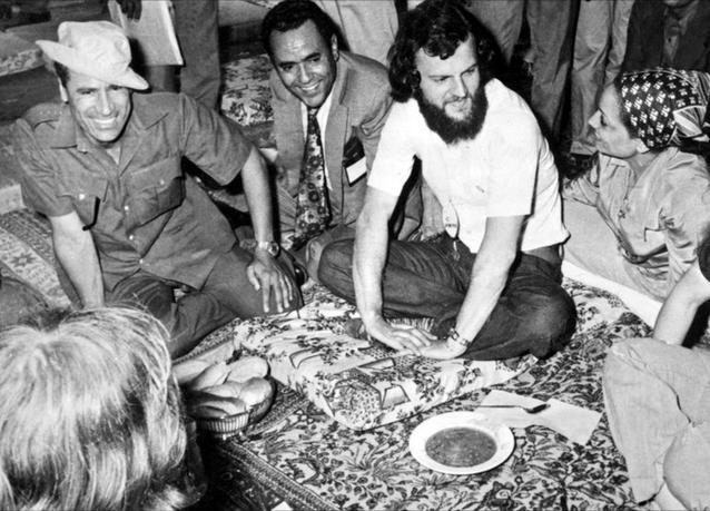 لقطات من حياة معمّر القذافي