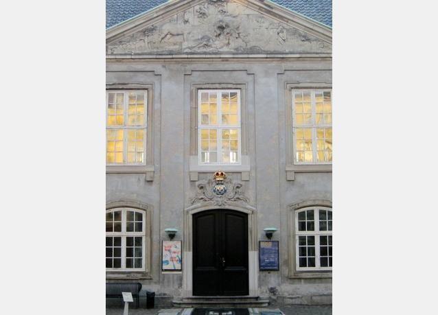 كوبنهاغن تسمح بعناق الأبنية الأثرية مع التصميم الجريء المعاصر