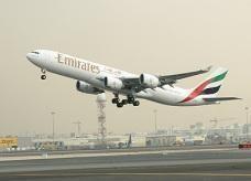 58 بالمائة من سكان الإمارات يطيرون بلا تأمين