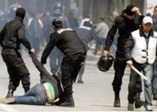 """تونس تشتعل: حرق مقار """"للنهضة"""" ودعوات لعصيان مدني"""