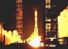 """صاروخ روسي يحمل قمرا صناعيا إماراتيا """"ياسات 1 بي"""" إلى مداره في الفضاء"""