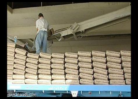 اتهامات للعمالة الوافدة بإغراق الأسواق السعودية بمواد بناء مغشوشة