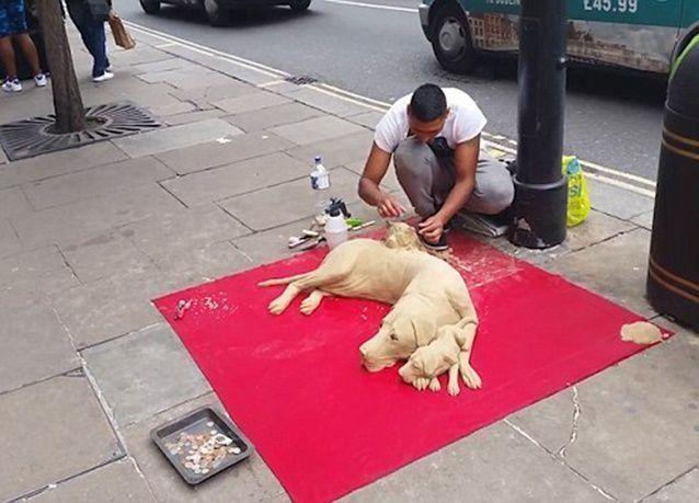 بالصور : فنان تشكيلي يكشف عن حقيقة كلاب الرمال في شوارع لندن