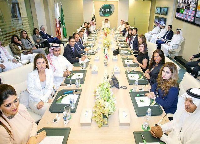 """وزارة الإعلام: جميع موظفي قناة """"العرب"""" غادروا البحرين"""