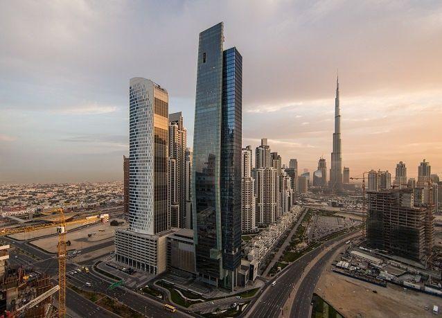بالصور: دبي وأبوظبي بعدسة سكوت كيلبي