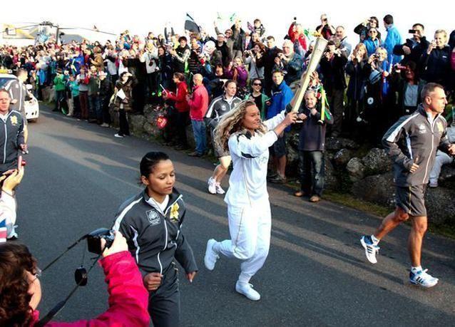 السعوديتان سارة عطار ووجدان سراج تنافسان في أولمبياد لندن